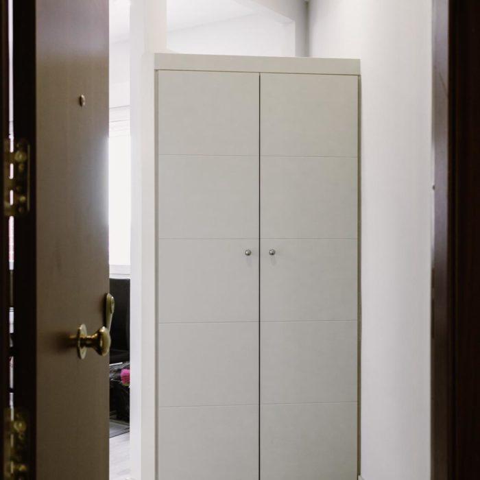 armario para almacenar en el pasillo